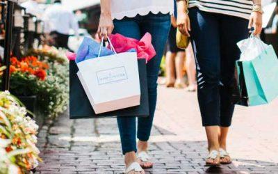 Zomerweer en ontbreken Rode Duivels duwen modeverkoop dit weekend omhoog – seizoensverkoop licht negatief