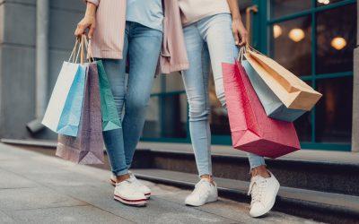 Naar een volledig verbod op plastic winkeltassen, plastic bekers en andere kunststoffen voor eenmalig gebruik